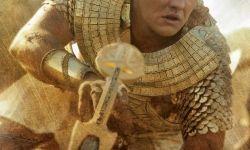 《出埃及记:诸神与国王》:贝尔饰摩西与法老王战场交锋