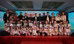 电影《纯洁心灵·逐梦演艺圈》在北京发布  毕志飞执导