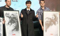 《蝙蝠侠大战超人》在京举办粉丝见面会 李易峰空降观战世纪对决