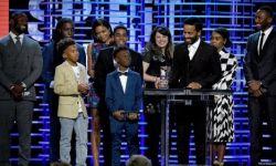 第32届美国电影独立精神奖:《月光》横扫各个奖项
