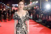 电影《五十度黑》女主Dakota Johnson:比电影里更性感迷人