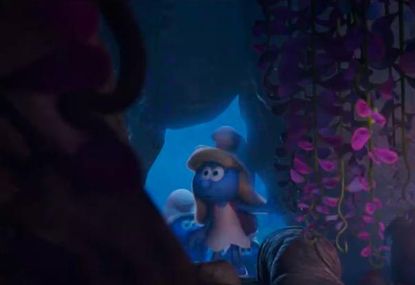 电影《蓝精灵3》美女驭萌兽预告 蓝色娘子军可爱出击
