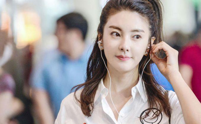 张雨绮张亮主演电影《不期而遇》发布剧照  演绎异国寻爱之旅