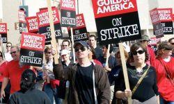 美国编剧工会闹罢工,这回美剧和脱口秀要停更多久?