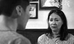 香港影坛两位老戏骨演老年病人 同捧金像奖