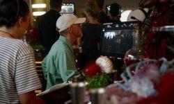 《星球大战:韩·索罗外传》发布片场照 神秘女子背影引外界猜测