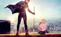 """电影《你往哪里跑》发布首款""""超人爸爸""""概念海报"""