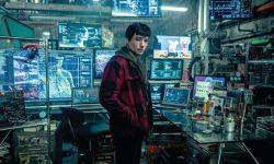 DC《正义联盟》放出一张新剧照 闪电侠秘密基地遭曝光