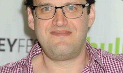 《绿箭侠》《闪电侠》编剧安德鲁·克雷斯伯格被19名员工指控性骚扰