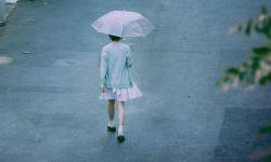 《钢的琴》导演新片《阳台上》曝海报 周冬雨主演