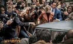 《金钱世界》终极海报曝光 再现首富家族惊天绑架案