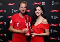 中国小姐MISS CHINA相杨为英格兰第一队长哈利凯恩颁奖本场最佳球员