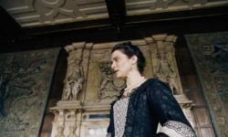 欧格斯·兰斯莫斯执导电影《宠儿》入围威尼斯电影节主竞赛单元