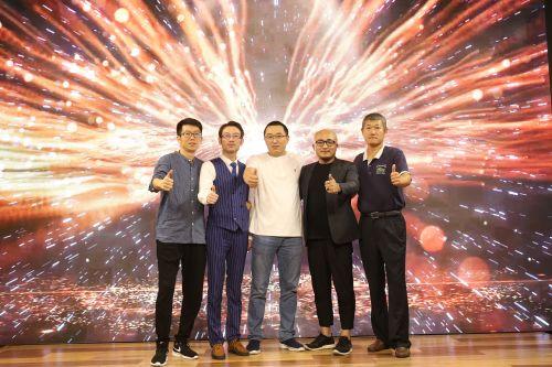 众主创参与纪录电影《四天三夜》启动仪式(从左到右:杨洋、李斌、张凯、张东虎、陈浩)