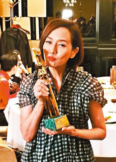 毛舜筠凭电影《黄金花》再度封后,成为出炉亚太影后。