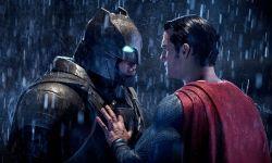 超人换角风波延烧?乔恩·哈姆透露有意出演蝙蝠侠