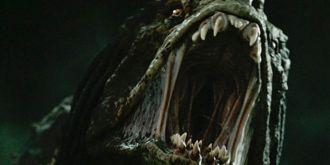 《铁血战士》新预告圆您一个欠揍的梦
