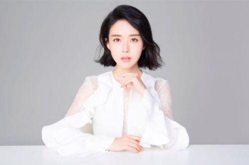 颜丹晨饰演秋华兼制片人