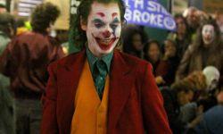 杰昆·菲尼克斯带妆现身《小丑》片场