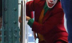 《小丑》曝新片场照 菲尼克斯造型抢眼,令人期待
