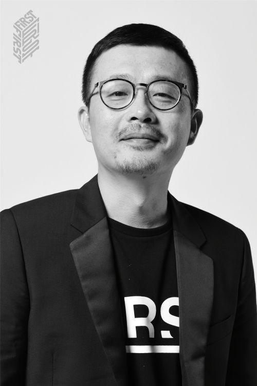 《两只老虎》导演李非