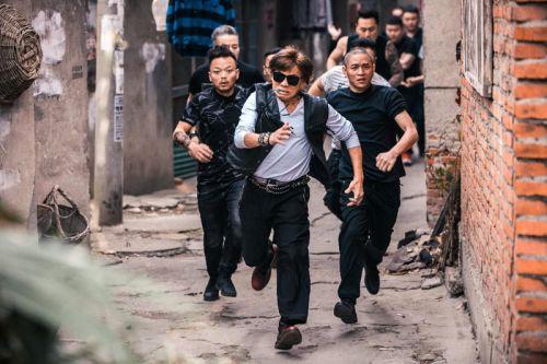 电影《站住!小偷》梁小龙奔跑剧照