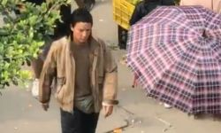 """吴彦祖江门拍戏被偶遇 """"二次元狗啃式""""刘海很抢镜"""