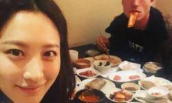 金秀贤与埃兹拉·米勒同游韩国 二人同框配一脸