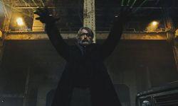 《极寒复出》曝首张剧照 拔叔独眼造型化身黑凯撒