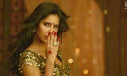 《印度暴徒》公映预热元旦 阿米尔·汗携性感美女