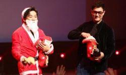 王宝强化身圣诞老人送惊喜 阿米尔·汗现场邀约盼合作