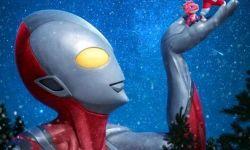 《奥特曼崛起》最新海报 化身圣诞老人圆英雄梦