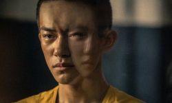 电影《少年的你》曝剧照,易烊千玺囚服造型亮相