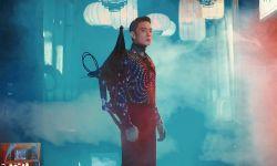 《流浪地球》联手时尚芭莎打造中国式未来感