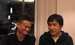梁朝伟与马云同席畅饮密谋合作?