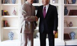哈萨克斯坦首任总统接见成龙 推动新片取景哈国