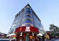 华人文化近日获颁跨省电影院线牌照 17年全资?#23637;篣ME影城
