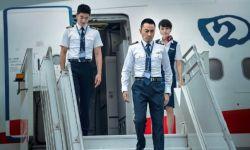 电影《中国机长》曝首张剧照 张涵予杜江袁泉现身机场