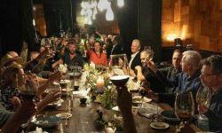 詹姆斯卡梅隆现身《阿凡达2》主创片场聚餐照曝光