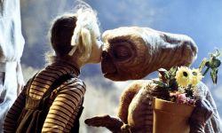 被感动到了!《外星人E.T.》发布续集短片,37年后E.T.回地球看望老朋友