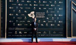 陈小春出席海南岛电影节 致敬讲述光影与梦