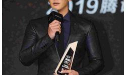 杜江获娱乐白皮书盛典年度电影最受欢迎演员 珍惜信任感恩前行