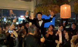 奉俊昊:今夜不醉不归,颁奖典礼结束剧组聚会庆祝
