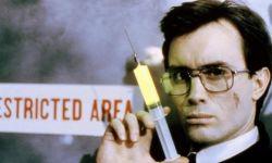 邪典电影导演斯图尔特·戈登去世,曾执导《活跳尸》《异魔禁区》