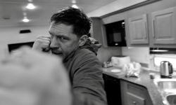 汤姆·哈迪化身拳击手,《毒液2》曝光片场照