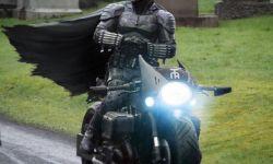 《蝙蝠侠》延期至9月复工