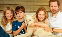 电影《白狮奇缘》上映