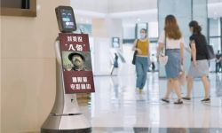 《八佰》票房破12亿,看猎豹移动商场机器人如何打call高口碑国产大片