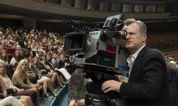 诺兰将再次选用IMAX胶片摄影机,拍摄《信条》的大部分精彩画面