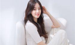 郑丽媛与H&娱乐签订专属合约,与好友孙淡妃成为同门